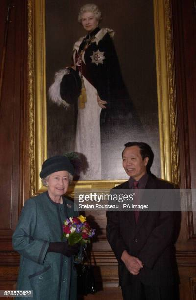 The Queen meets royal artist Chen Yan Ning at Artillery House in London when she visited the home of The Honourable Artillery Company to celebrate...