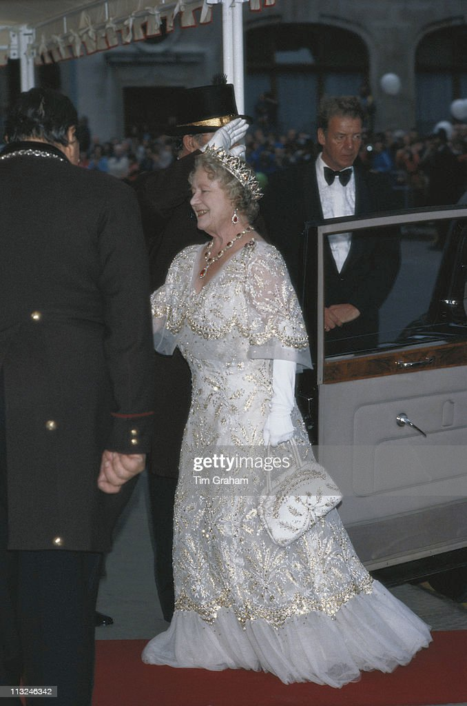 Queen Mother's 80th : News Photo