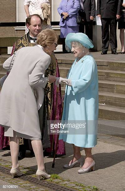 The Queen Mother At The Guards Chapel At Wellington Barracks London For A Service To Commemorate The Irish Guards Regiment With Her Is The Grand...