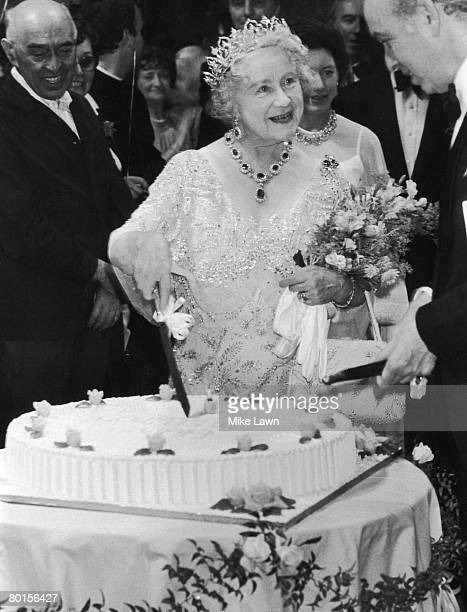 The Queen Mother celebrates her 80th birthday in Covent Garden, 4th August 1980.