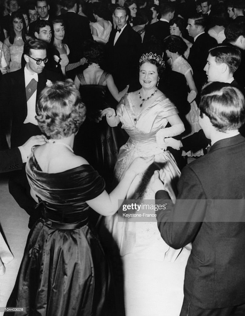 The Queen Mother Elizabeth Of England Dancing At London University : News Photo