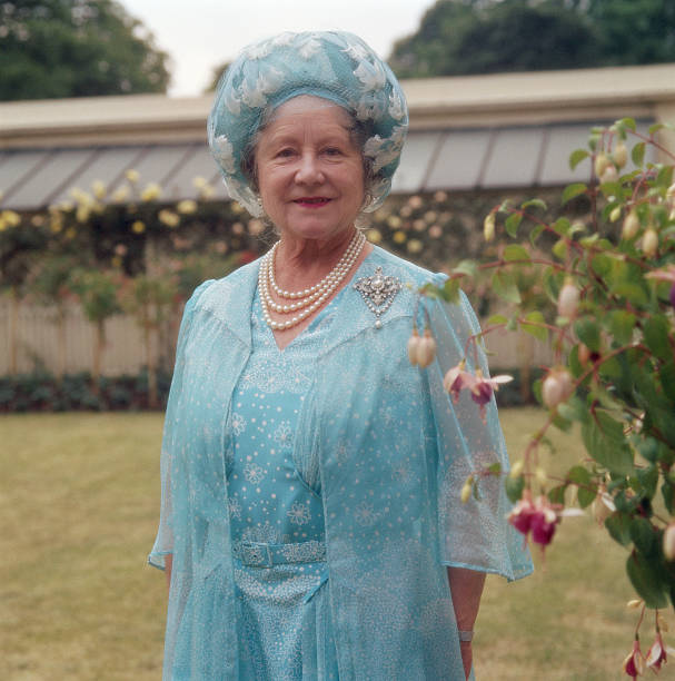 UNS: 4th August 1900 - Queen Elizabeth The Queen Mother Is Born