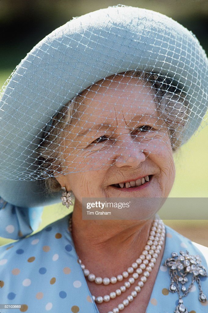 Queen Mother : News Photo