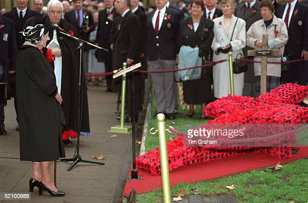 The Queen Mother Visiting The Field Of Remembrance St Margaret's Church Westminster Abbey London