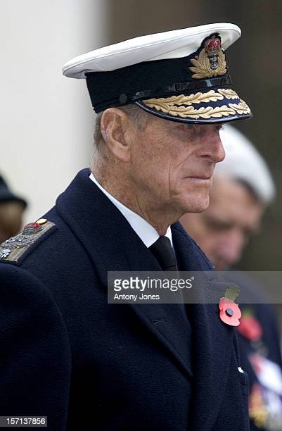 The Queen Opens The Field Of Remembrance At London'S Westminster Abbey Accompanied By The Duke Of Edinburgh