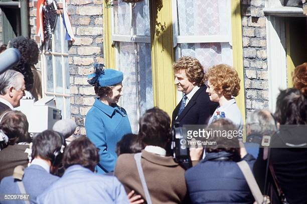 The Queen Visiting The Television Set Of 'coronation Street' In Manchester During Her Visit The Queen Meets Some Of The Characters Who Appear In The...