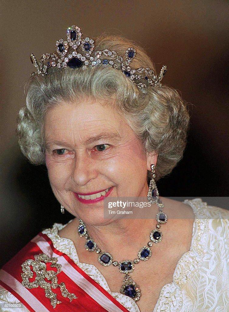 Queen Diamonds Sapphires : News Photo