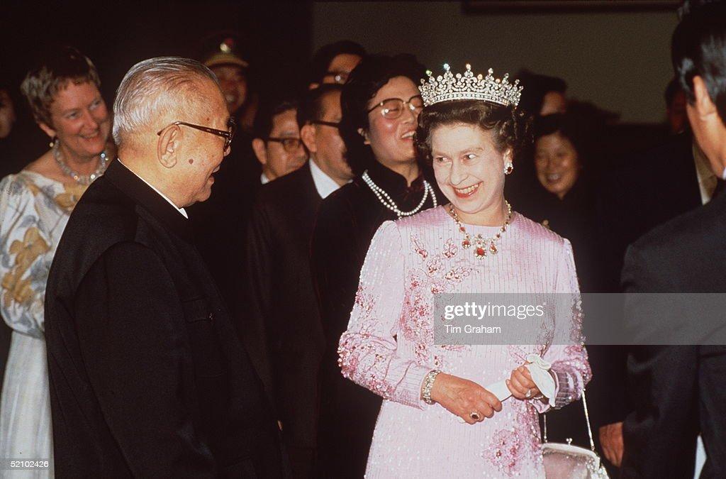 Queen Peony Dress China : News Photo