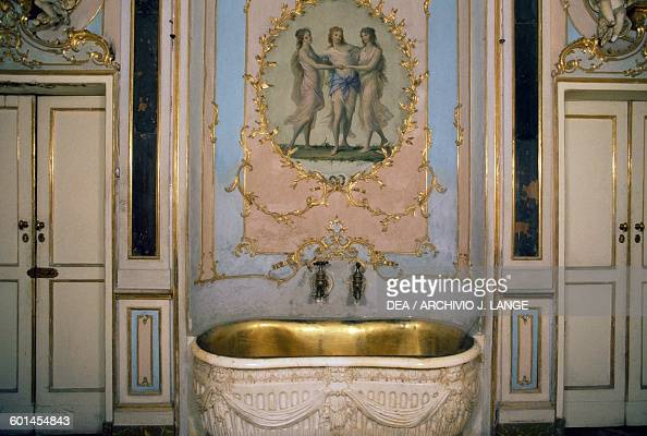 The Queen S Bathroom Royal Palace Of Caserta Campania