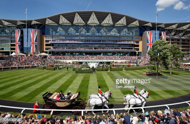 The Queen's carriage enters the parade ring before racing during day three Ladies Day of the Royal Ascot 2018 meeting at Ascot racecourse on June...