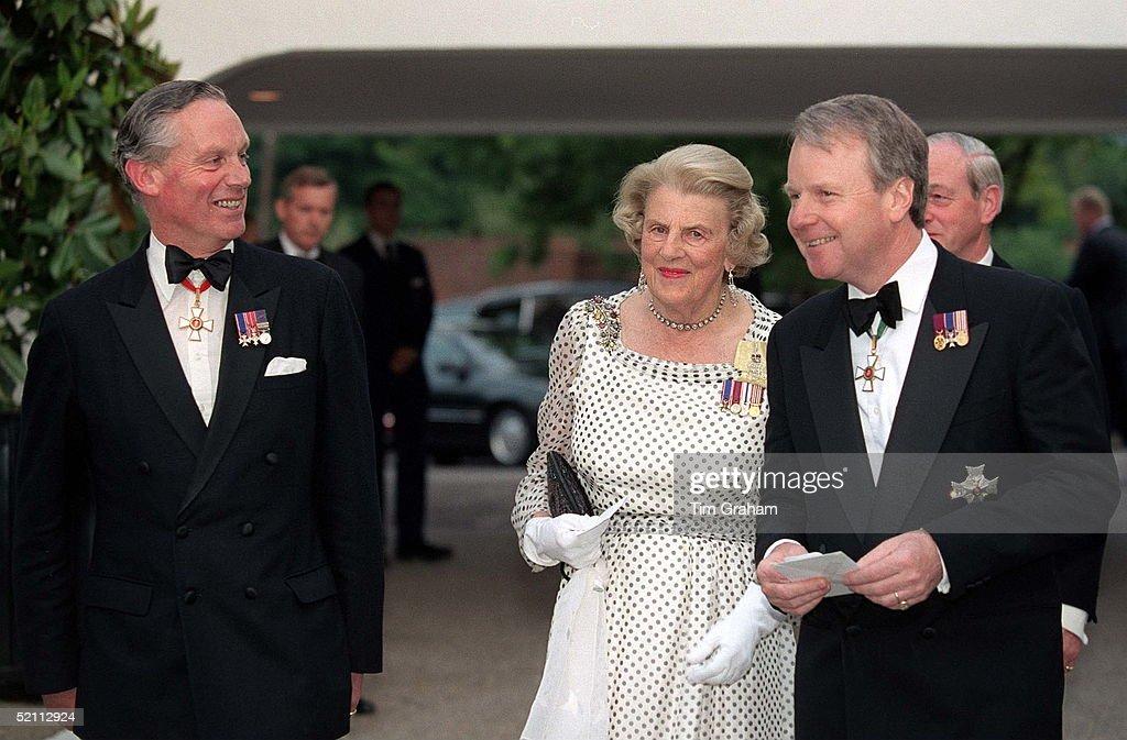 Queen's Staff Ross  Grafton And Janvrin : Foto di attualità