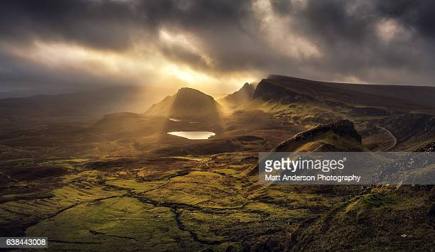 the quiraing - trotternish ridge light - scotland - grampian scotland stock pictures, royalty-free photos & images