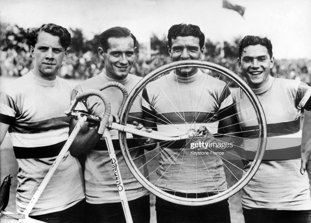 Robert Charpentier, Guy Lapebie, Jean Goujon And Roger Le Nizhery At The Olympic Games Of Berlin In 1936 : News Photo
