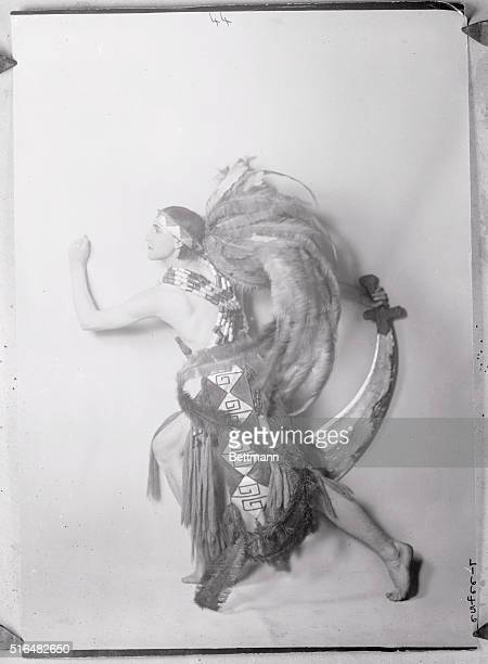 The rage of the day in London Stovitts the sensational dancer of Mayfair and Montmarte who is the rage of the moment in London His sensational dance...