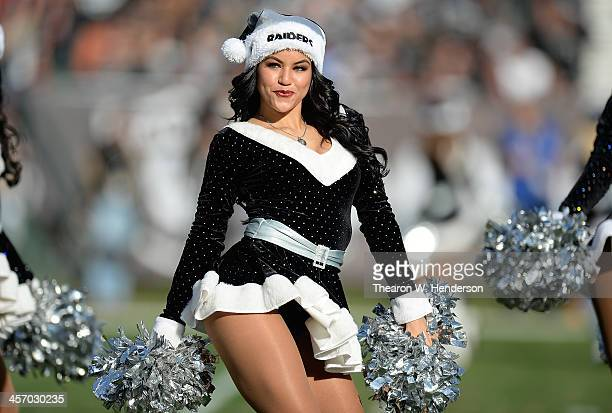 Raiderettes Stock Photos And Pictures Getty Images