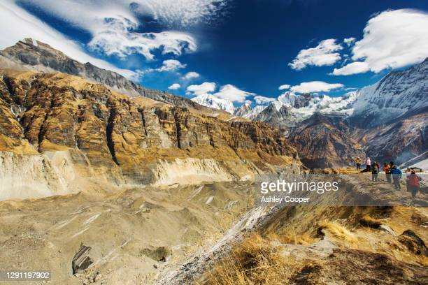 the rapidly retreating south annapurna glacier in the annapurna sanctuary, nepalese himalayas. - retreating ストックフォトと画像