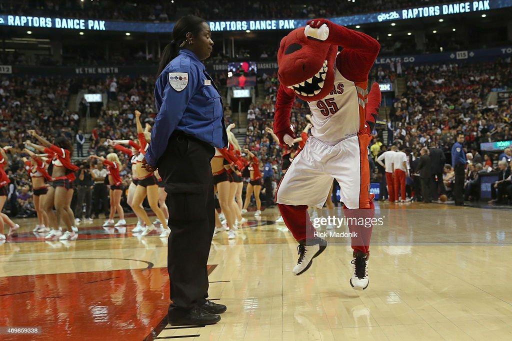 Toronto Raptors vs Charlotte Hornets : News Photo