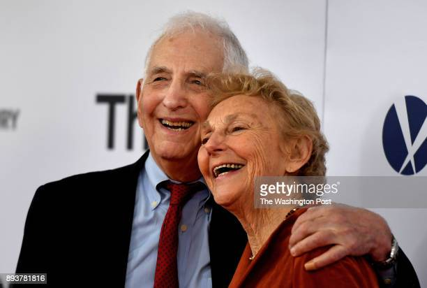 The real Daniel Ellsburg and his wife Patricia Marx Ellsberg attended the movie premiere tonight The world premiere of the movie 'The Post' took...