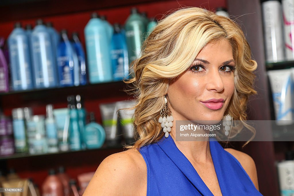 The Real Housewives Of Orange County Star Alexis Bellino Visits A Hair Salon : News Photo