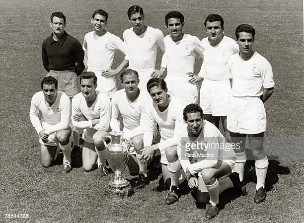 The Real Madrid line up before the Champions League Final football match against Stade Reims on June 13 1956 in Paris France Juan Alonso Atienza II...