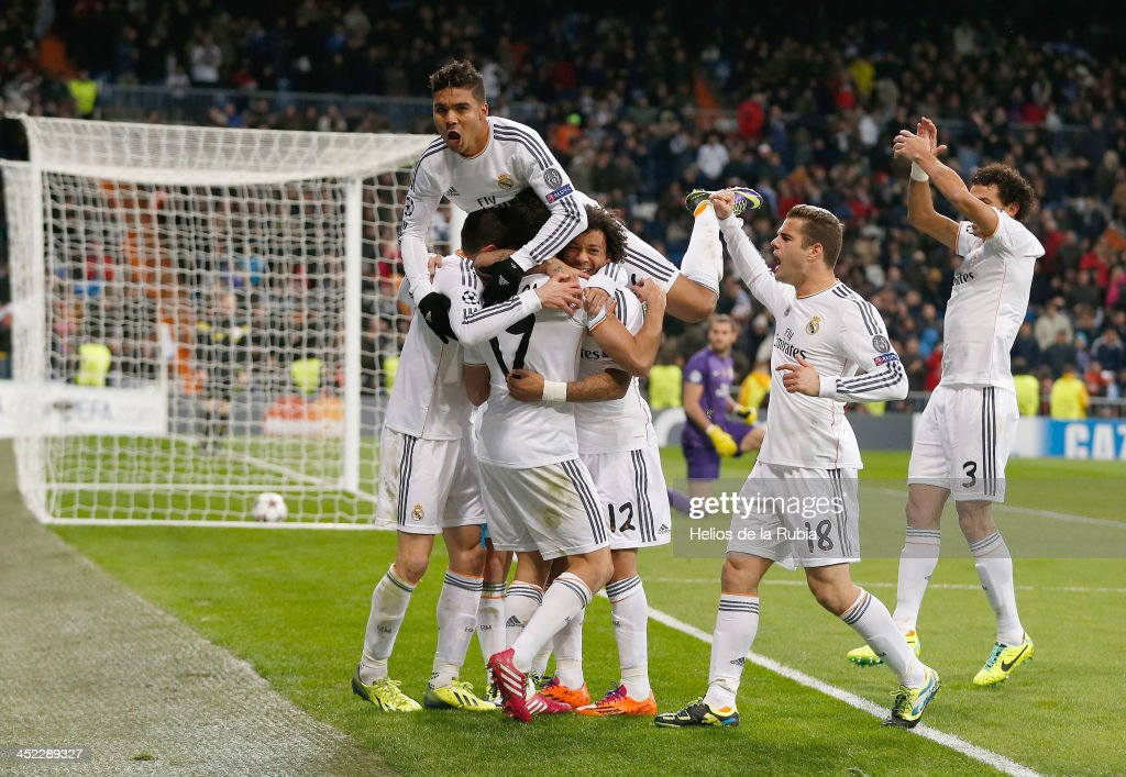 The Real Madrid player´s celebrate after scoring during the UEFA Champions League Group B match between Real Madrid and Galatasaray AS at Estadio Santiago Bernabeu on November 27, 2013 in Madrid, Spain.