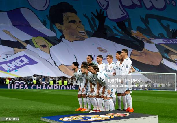 The Real Madrid team line up for a photo prior to kick off during the UEFA Champions League Round of 16 First Leg match between Real Madrid and Paris...