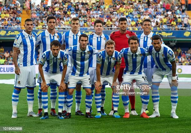 The Real Sociedad team line up for a photo prior to kick off during the La Liga match between Villarreal CF and Real Sociedad at Estadio de la...