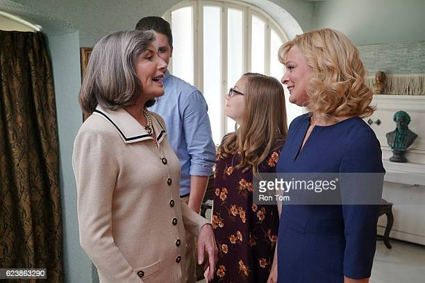 NEALS The Real Tradition The ONeals deal with a change to their Thanksgiving tradition when Pat and Eileen invite Gloria and VP Murray to dinner as...