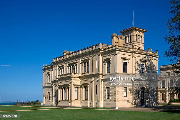The rear facade of Osborne House, built between 1845-1851 in Italian Renaissance style as Queen Victoria's summer residence, Cowes, Isle of White,...