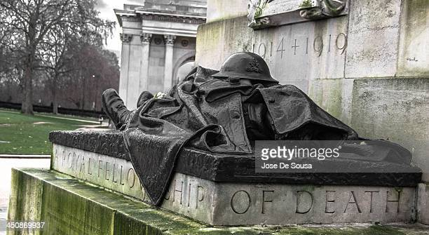 CONTENT] The Recumbent Artilleryman is one of the 4 figures in the Royal Artillery Memorial a stone monument at Hyde Park Corner in London dedicated...