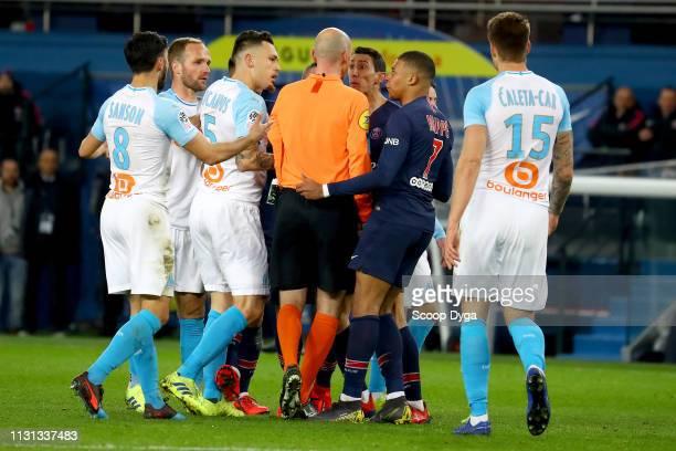 The referee Antony Gautier and Angel Di Maria of Paris Saint Germain during the Ligue 1 match between Paris Saint Germain and Marseille at Parc des...
