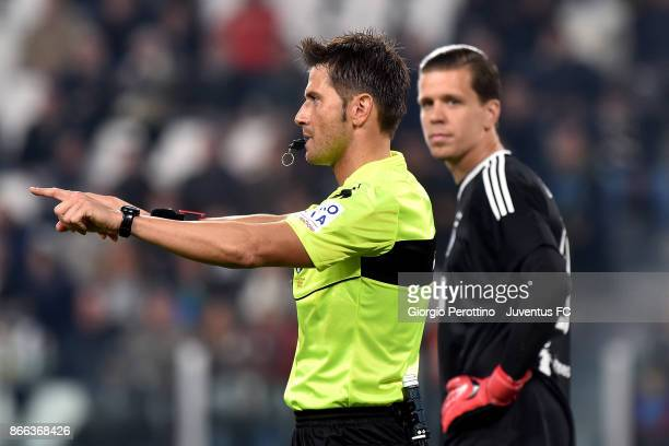 the referee Fabrizio Pasqua consult VAR during the Serie A match between Juventus and Spal on October 25 2017 in Turin Italy