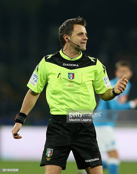The referee Nicola Rizzoli during the Serie A match betweeen SSC Napoli and AS Roma at Stadio San Paolo on December 13 2015 in Naples Italy