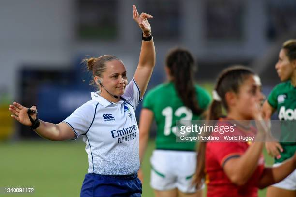 The referee Nikke O'Donnell gestures during the Rugby World Cup 2021 Europe Qualifying match between Spain and Ireland at Stadio Sergio Lanfranchi on...