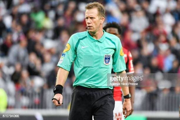 The referee Olivier Thual during the Ligue 1 match between OGC Nice and Dijon FCO at Allianz Riviera on November 5 2017 in Nice