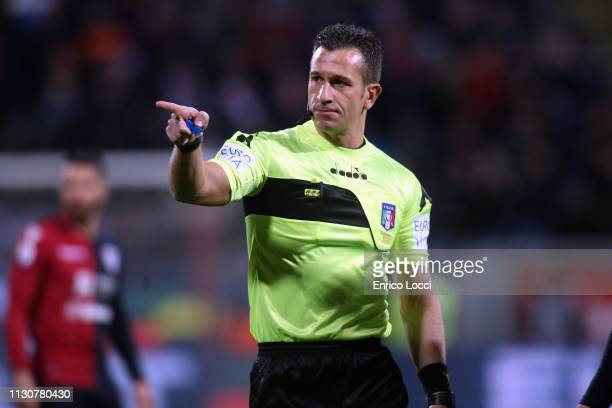 The Referee reacts during the Serie A match between Cagliari and ACF Fiorentina at Sardegna Arena on March 15 2019 in Cagliari Italy