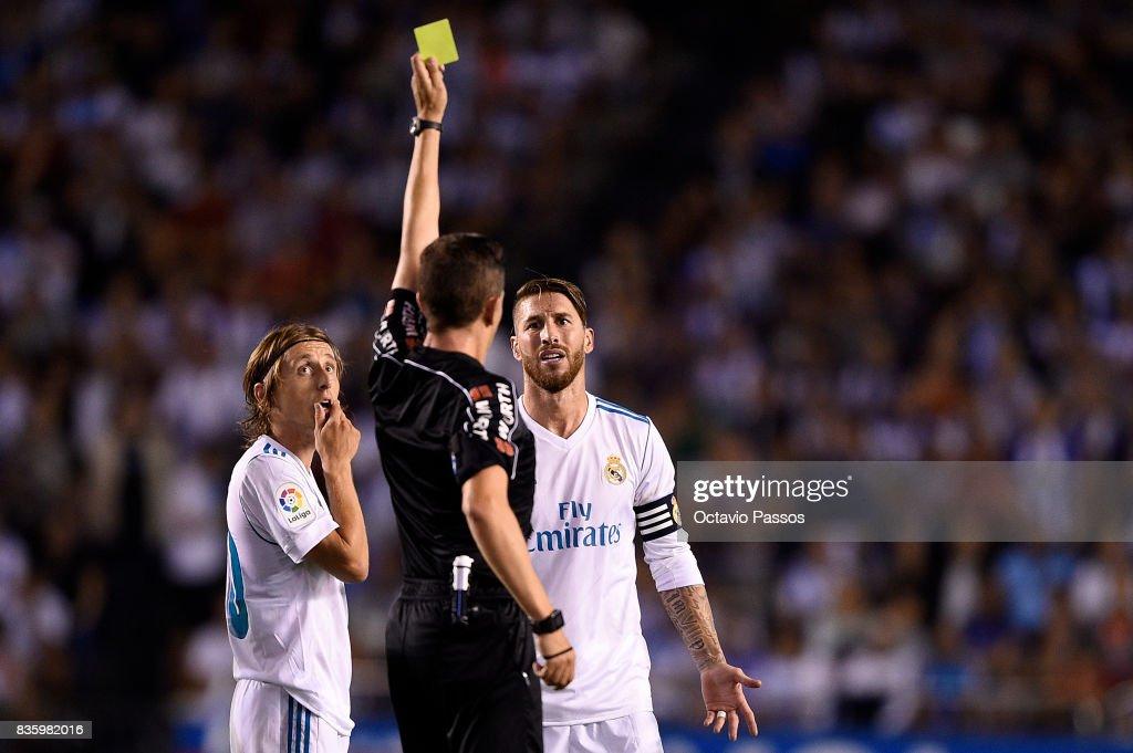Deportivo La Coruna v Real Madrid - La Liga : News Photo