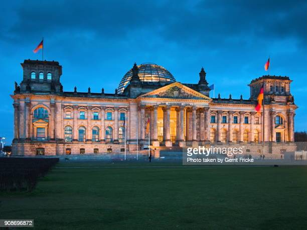 the reichstag, berliner reichstag, reichstagsgebäude, deutscher bundestag - bundestag stock photos and pictures