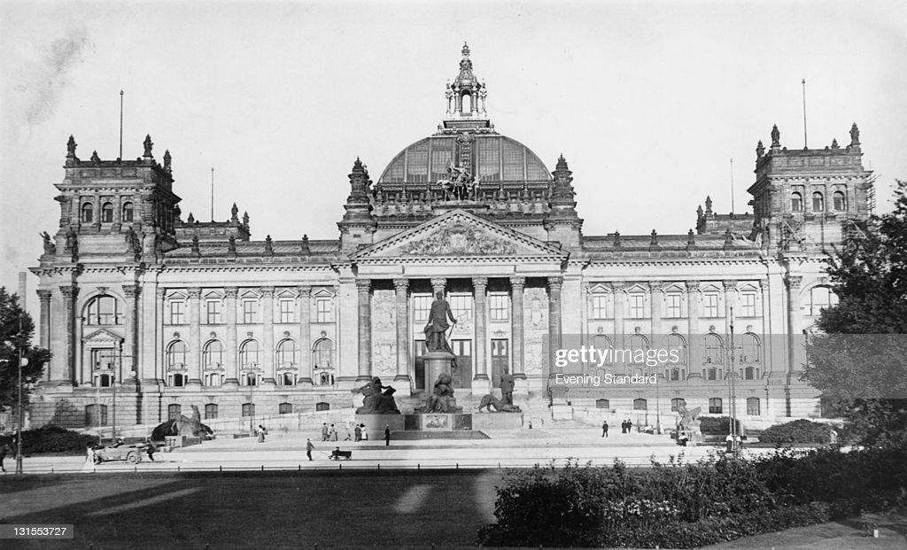 reichstag building pictures getty images