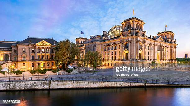 the reichstag building, reichstagsgebäude, berlin, germany - bundestag stock pictures, royalty-free photos & images