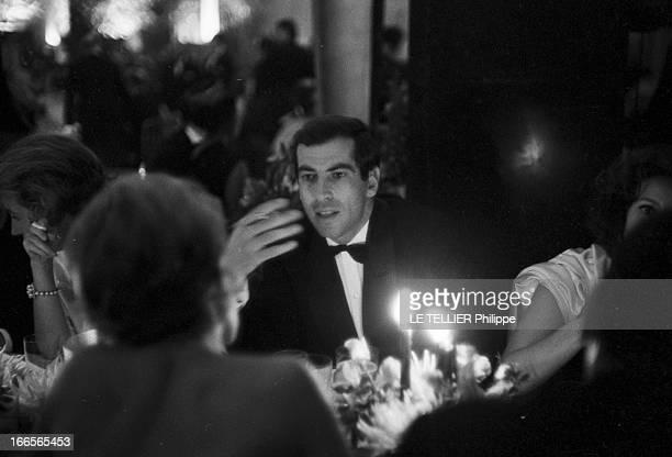 The Release In France Of The Film 'Le Jour Le Plus Long' Le 26 septembre 1962 au Palais de Chaillot à Paris en France Roger VADIM à table parlant...