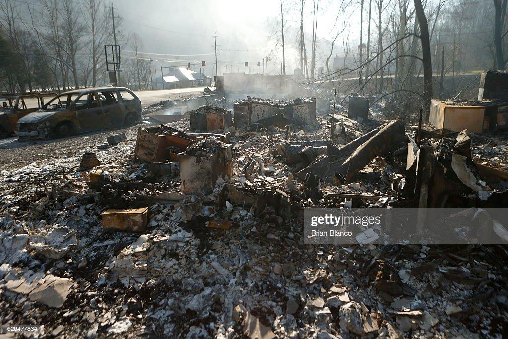 Wildfires Rage Through Tennessee Resort Town Of Gatlinburg : News Photo
