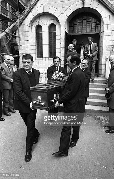 The remains of the legendary Garda Jim 'Lugs' Branigan are taken from Mount Argus Church following his funeral mass 24/5/86 Photographer Tom Burke