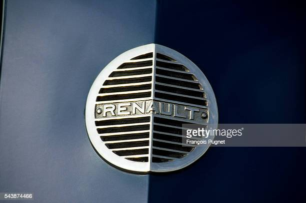 The Renault emblem