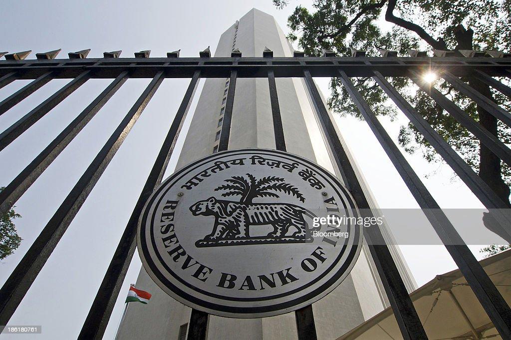 Reserve Bank of India Governor Raghuram Rajan Unveils Interest Rate Decision : News Photo