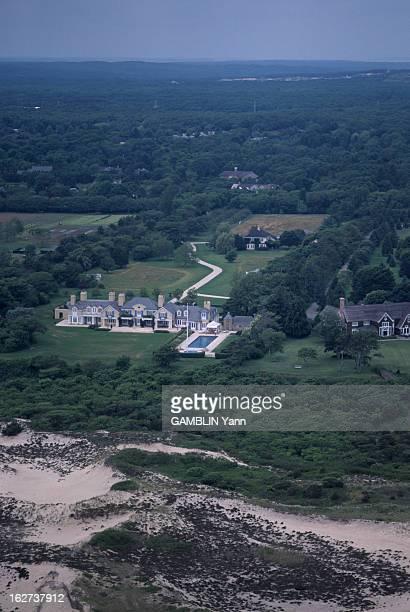 The Residences Of Stars Of Hampton / Long Island EtatsUnis Long Island 17 juillet 1995 les résidences de stars dans les quartiers de Hampton...