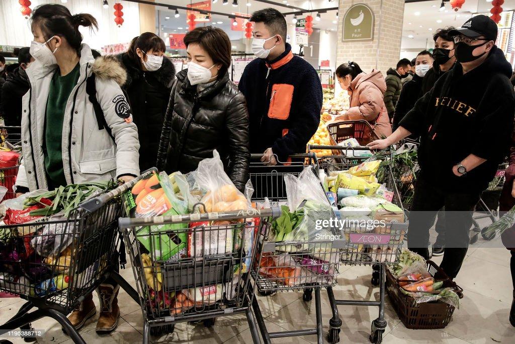 Wuhan Residents Told Not To Leave As Coronavirus Pneumonia Spreads : ニュース写真