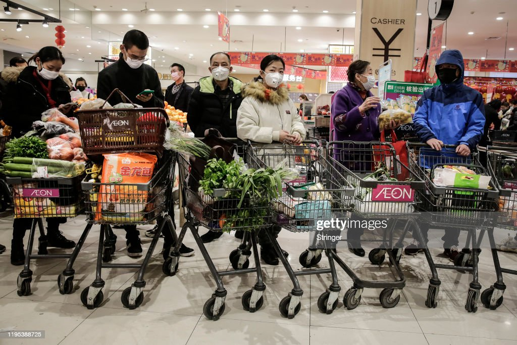 Wuhan Residents Told Not To Leave As Coronavirus Pneumonia Spreads : News Photo