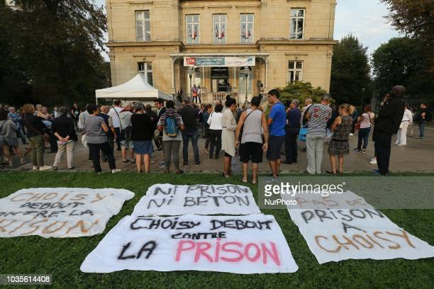 The residents of the city of ChoisyleRoi in the South of Paris demonstrate on September 18 in front of the city hall against the project to build in...