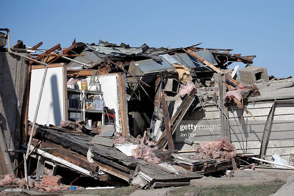 Tornado Slams Into Small Northern Illinois Town : News Photo